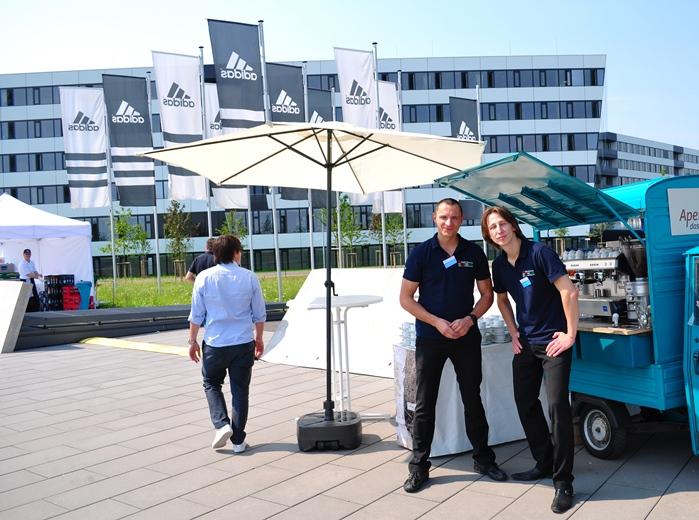 Mit dem Kaffeedreirad in Herzogenaurach bei Adidas